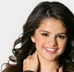 Selena Gomez il fascino acqua e sapone