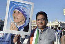 Madre Teresa Santa: 100mila fedeli in San Pietro